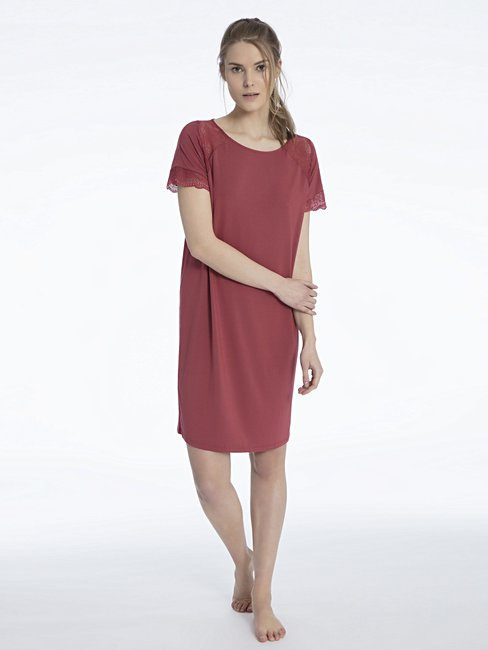 CALIDA Jaina Sleepshirt mit Spitzen-Ärmelchen, Länge 95cm